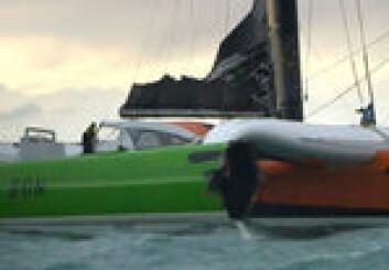 Sodebo på vei mot havn med skadet skrog.