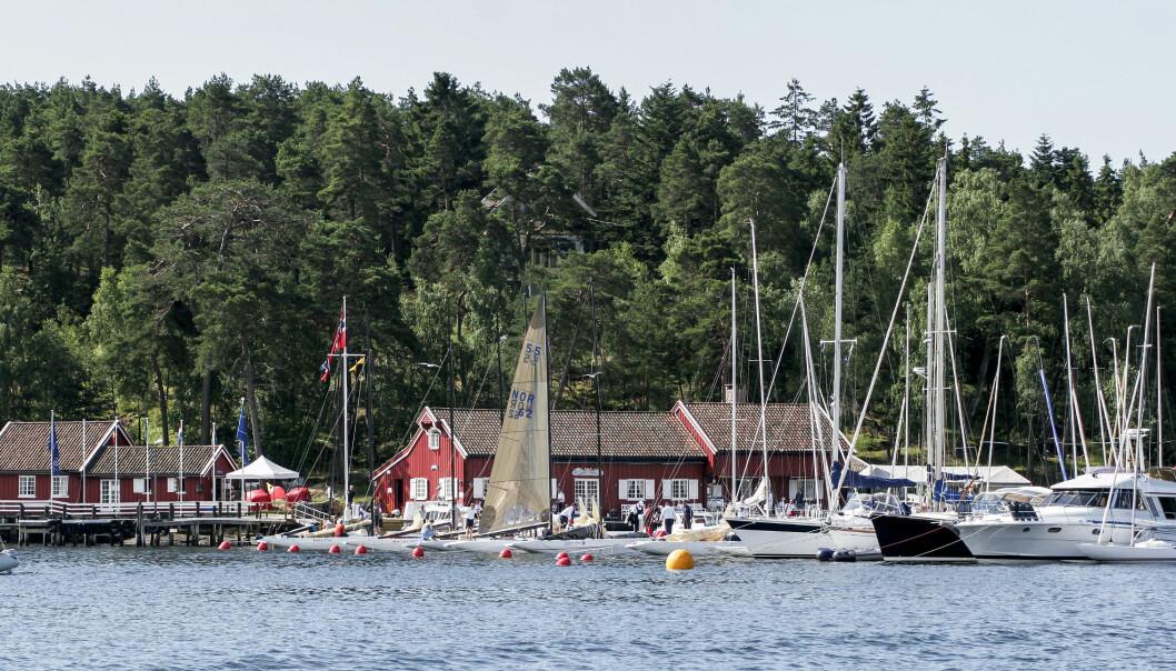 HANKØ YACHT CLUB: Hankø Yacht Club ble stiftet på 1950-tallet for blant annet å fremme internasjonal seilsport i Norge. HYC er nå senter under Hankø Race Week.
