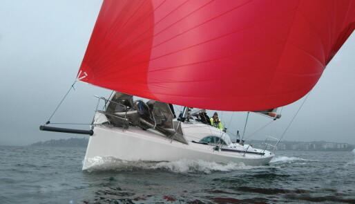 34-fotere for tur og regatta