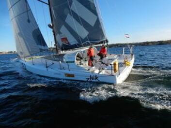 NY: «Solo2» ble hentet i Frankrike fro noen uker siden. Båtens første regatta var HH Skagen Race.
