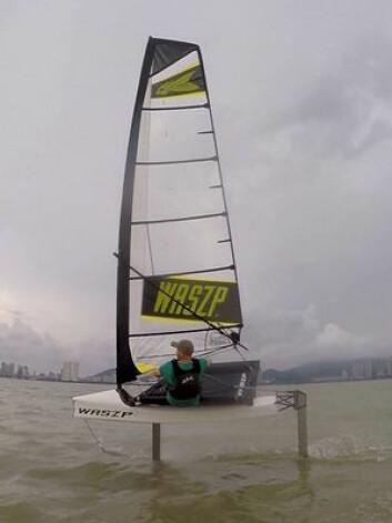 SEILER: Waszp har seilt lenge som prototype. Nå er den endelige versjonen også på vannet, og båter er på vei til kunder.