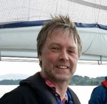 MISSFORNØYD: Martinus Ytrebø mener at ferskekart øker sikkerheten til sjøs, og at dette skal være lett tilgjengelig, direkte til båtfolket.