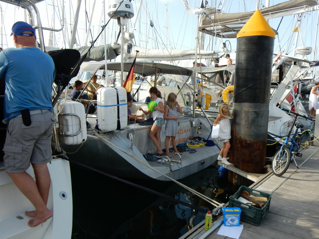 LAS PALMAS: «Noah» på brygga dagen før starten av ARC. Båten var en senter for barn som deltar i arrangementet.