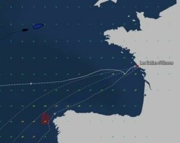 KRYSS: Duoen venter på at vinden skal dreie, så slå og seile sydøstover mot mål.