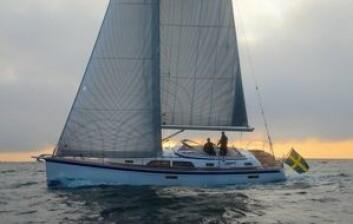 LINJER: Hallberg Rassy 44 har elementer fra tidligere båter, men har moderne linjer. Jeg syns det har blitt en vakker båt.