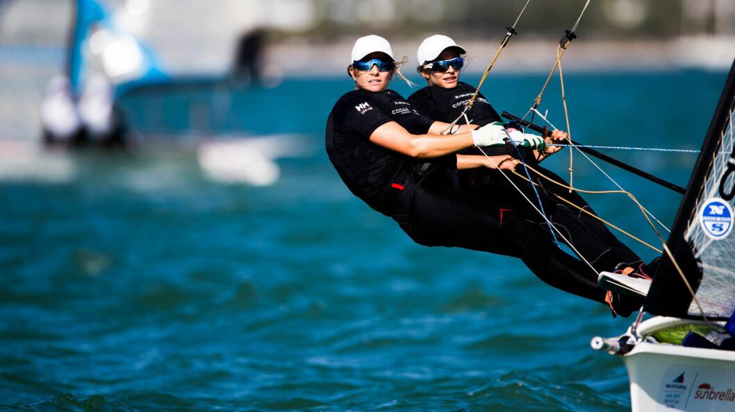 PÅ SØLV-PLASS: Helene Næss og Marie Rønningen ligger på 2. plass i Miami, tett fulgt av Ragna og Maia Agerup på 3. plass.