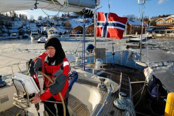 KLAR: Finn A. Bostad ut fra hjemmehavnen i Vollen med både sol og is.
