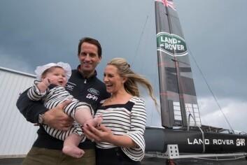 SJEFEN: Land Rover BAR er ledet av seilstjernen Ben Ainslie, her sammen med kona Georgie og datteren Bellatrix.