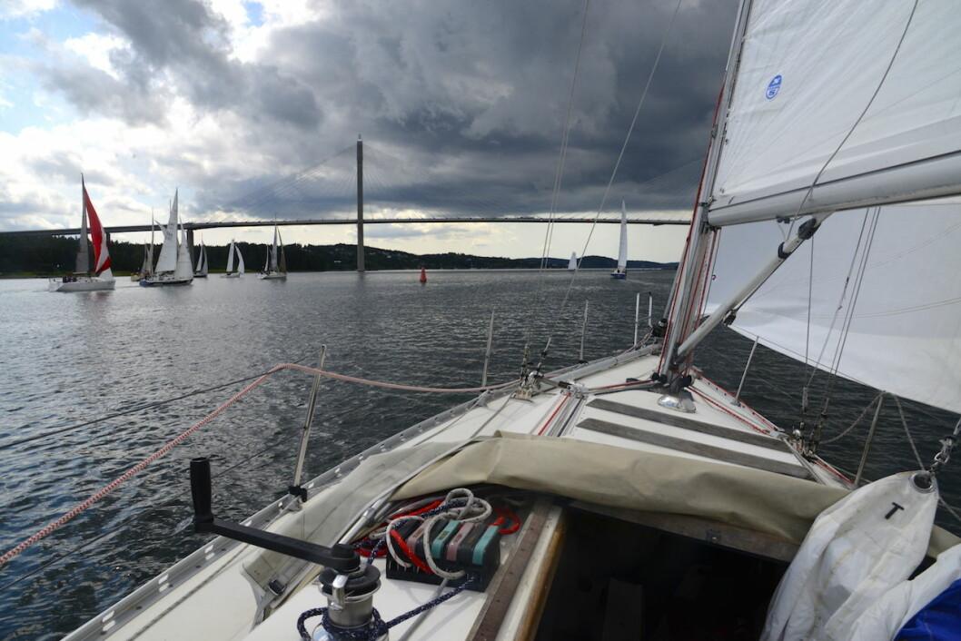 START: Bohusracet starter fra Uddevalla, deretter går seilasen ut fjorden til Marstrand, nordover til Hvaler og sydover til mål i Smögen.