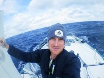 HELT: Conrad Colman har fått stor oppmerksomhet på New Zealand. Han seiler en båt uten bruk av fossilt drivstoff.
