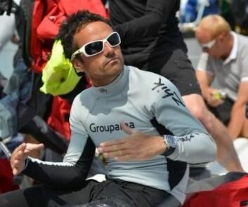 TRUFFET: Franck Cammas falt over bord i 20 knops fart og ble truffet av rorets foil. Hendelsen endte i et lengre sykehusopphold.