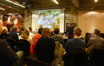 KIRURG: Jon Ramm-Pettersen liker å seile når han ikke operere på sykehus.