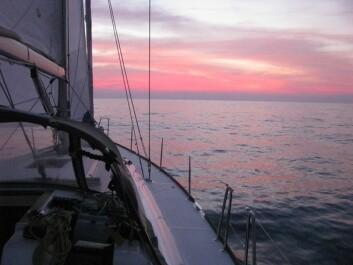STILLE: Solnedgangen i det Indiske Hav, sett fra «Tamara»