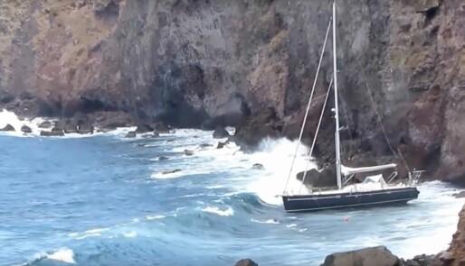 Bøyefestet røk, havnet i steinene i Karibia