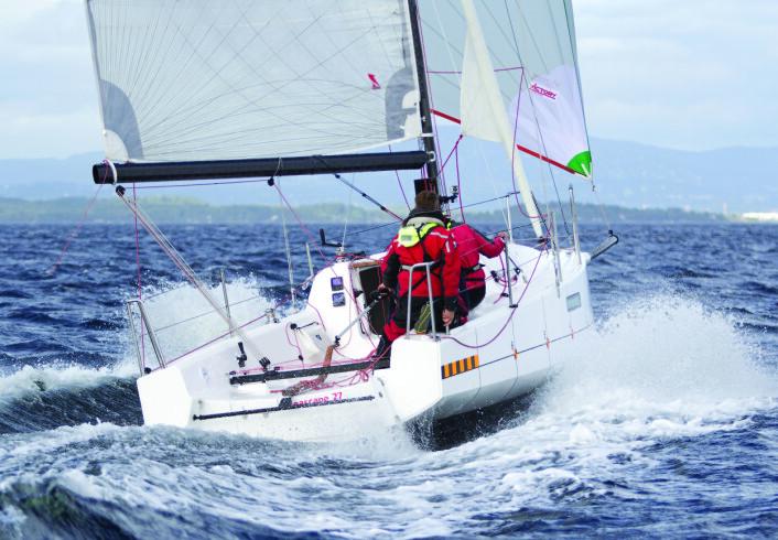 UNNAVINDSBÅTER: Båter med spesielle unnavindsegenskaper, som Seascape 27, vil bli plassert i samme klasse i årets Seapilot 2Star.