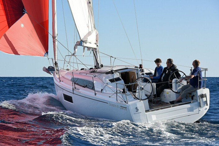 Familieturseilere: Beneteau Oceanis 30.1.