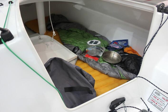 LUGAR: Det er mulig å sove to under dekk.