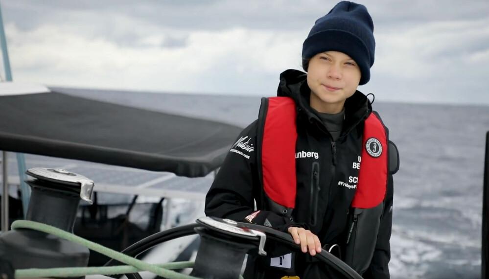 SEILER: Greta Thunberg bak rattet på katamaranen «La Vagabonde»