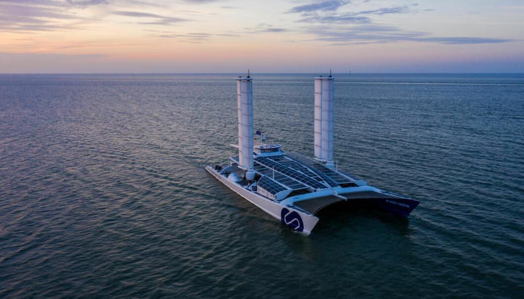 UTSLIPPSFRI: «Energy Observer» seiler jorda rundt ute utslipp. Nå har fartøyet også vingmaster og nytt brenselcelleystem.