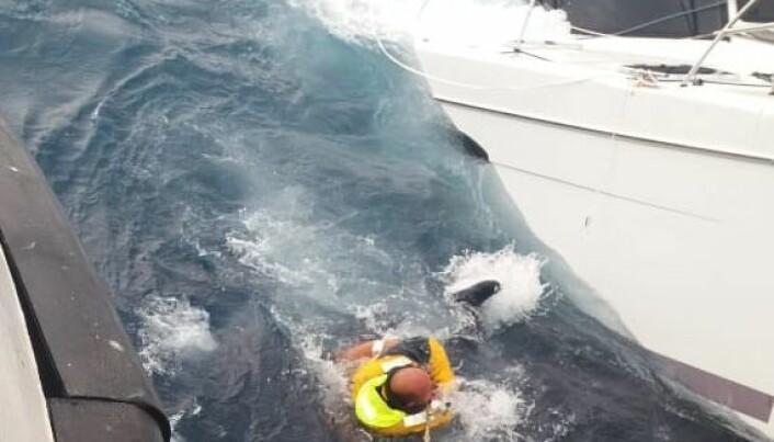 REDDET: Gjevik ble reddet, men det ble ikke katamaranen.
