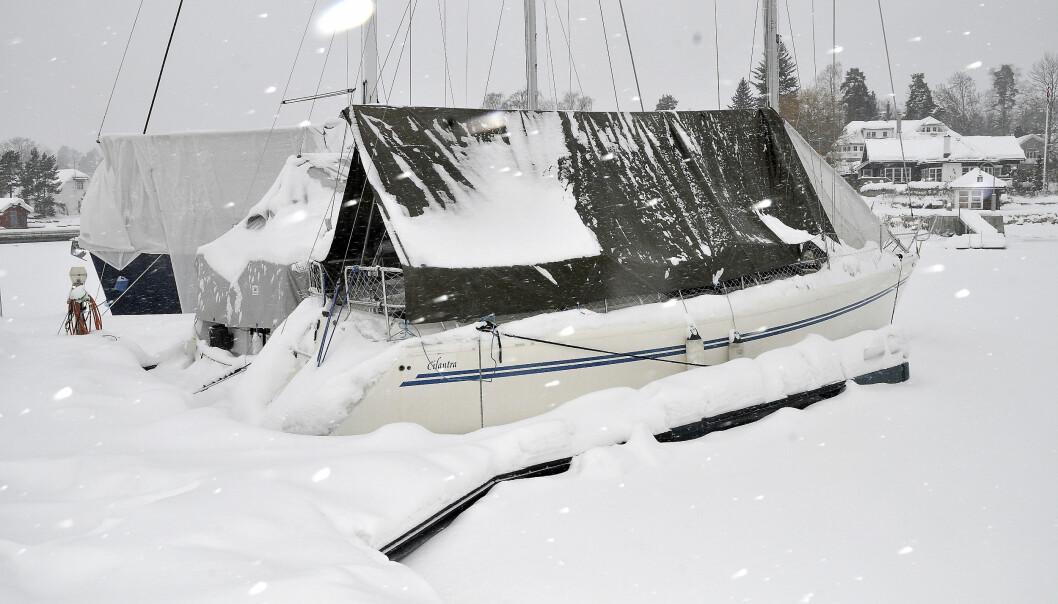 KALDT: Totalt havner rundt 500 båter under vann hvert år, og nå frykter forsikringsbransjen ishavarier .