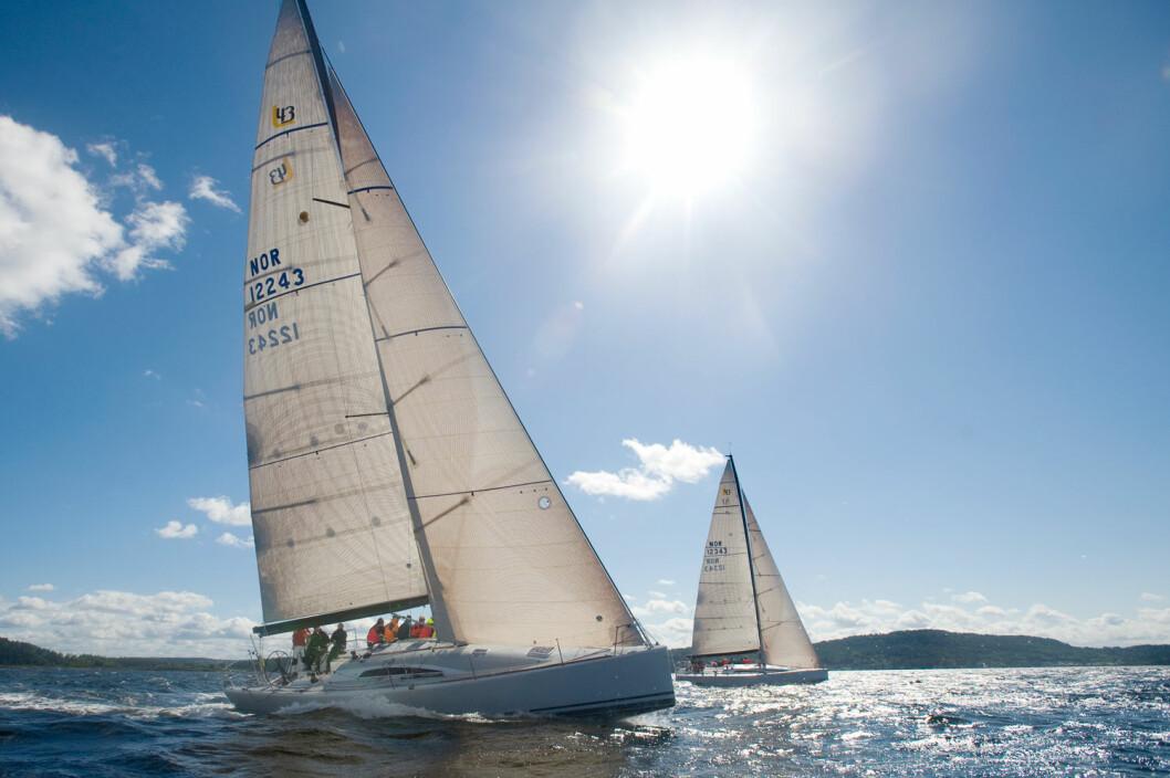 HØYDE: Mestrer du kunsten å balansere mellom hvor fort båten seiler og hvor høyt den peker mot vinden, får du den optimale farten og kursen over grunnen