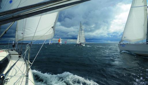 130 svenske seilbåter over grensa
