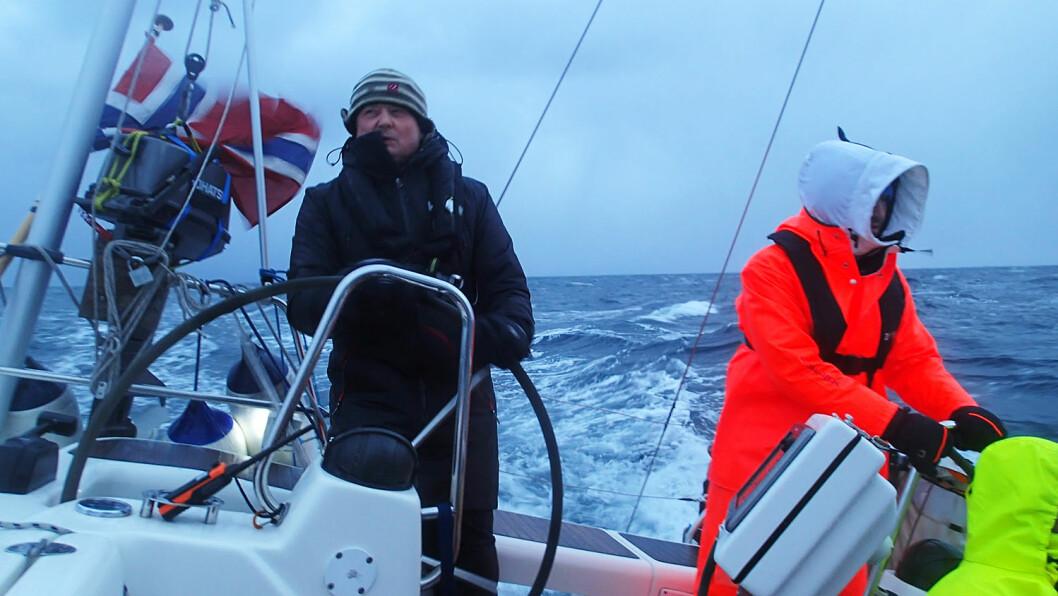 KALDT: Det var kaldt da Jon Amtrup seilte fra Tromsø til Bodø nå i januar.