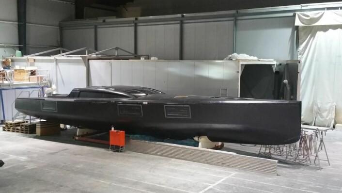 LETT: Den ekstreme båten er bygget av karbon i Tyskland.