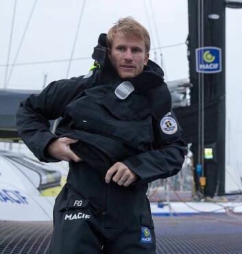 KONTROLL: Francois Gabart styrke er at han kjenner båtens egenskaper og begrensninger. Franskmannen fikk 2,9 timer på øyet første døgnet.