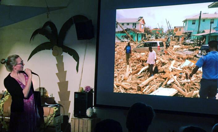 DOMINICA: Tuva Løkse forteller om følgene av orkanene på Dominica i Karibia. Dominica er en fattig, selvstendig øy som ikke har så stor turisme. Behovet for hjelp er derfor stort på øya. Og under den karibiske aftenen i Skur 28 i Oslo var det mange ...