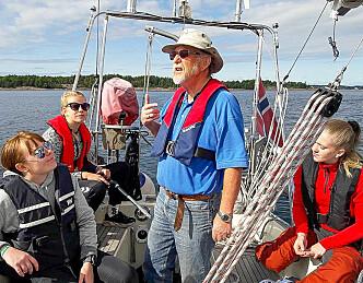Fornøyde ungdommer fikk smake på seiling