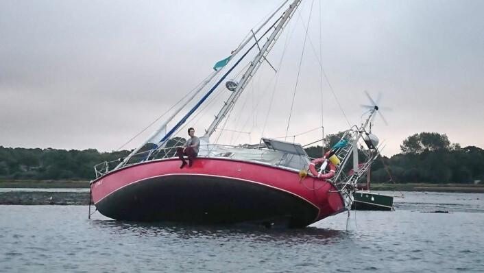 IKKE SKREMT: Martin Bull har trosset advarsler og seilt opp Amazonaselven i Brasil.