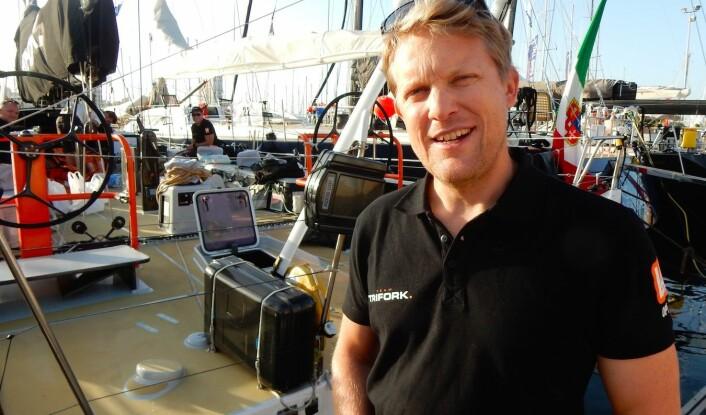 NAVIGATØR: Aksel Magdahl skal finne raskeste vei for «Trifork» til Karibia.