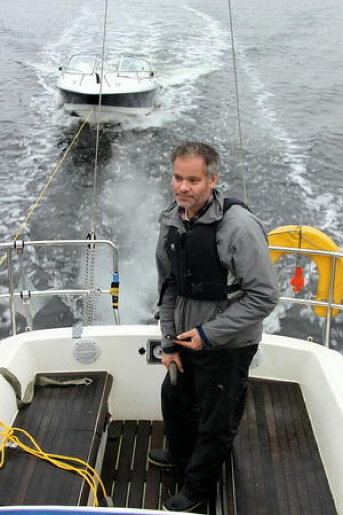 MOTSTAND: En 17-fots Morgan 5250 bremset båten med ca en knop.