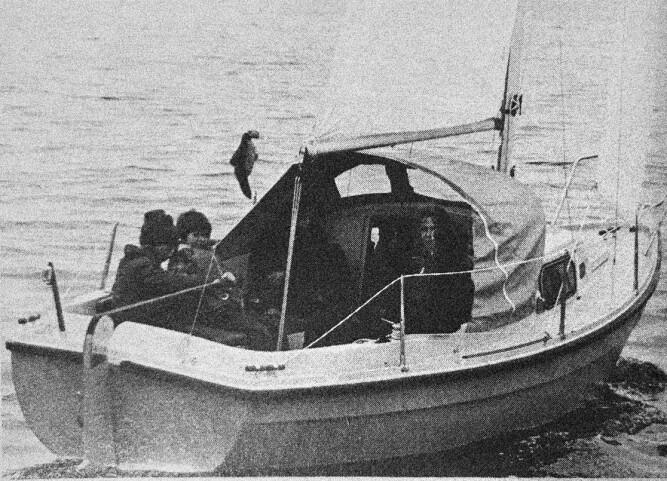 TEST: Bilde fra testen i 1975 av Marieholm MS20 med bror Håkon til rors. Den gangen uten redningsleider og pushpit.