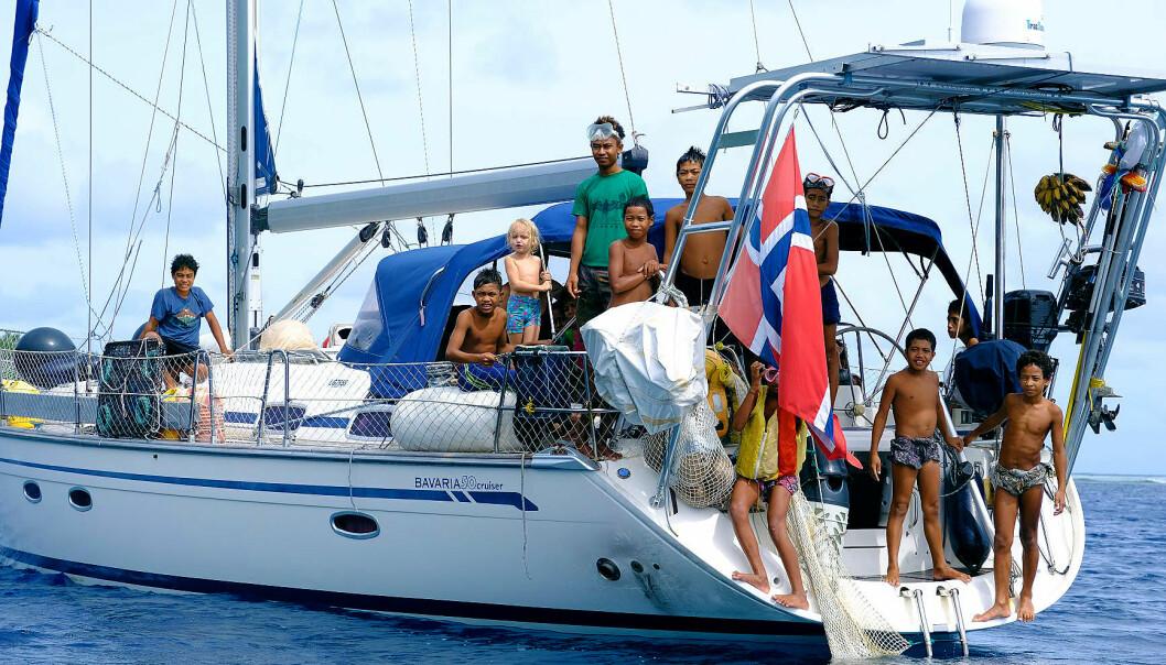 «S/Y VILJA»: Familien seiler en Bavaria 50 Cruiser og er på vei hjem etter tre år på havet.