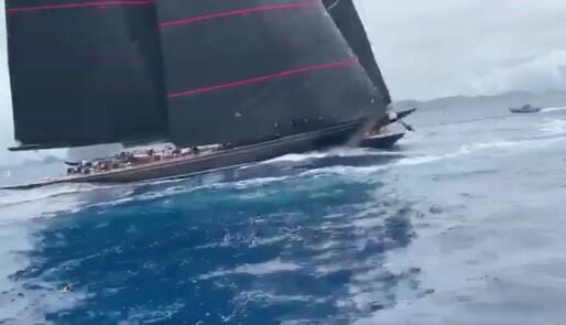 Dramatisk kollisjon mellom to J-båter