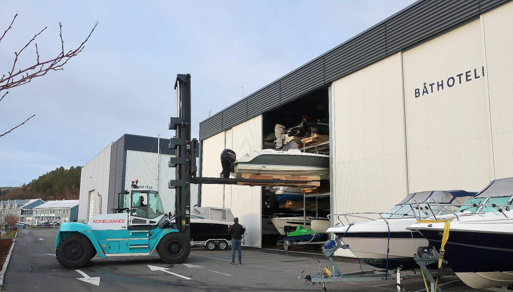 STORT: Asker Marina i Leangbukta er i full gang og i rute med vårklargjøringen.