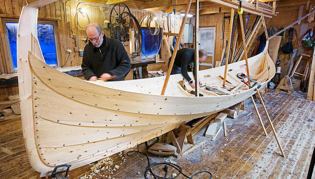 KLINKBÅTBYGGING: Godtar UNESCO den nordiske søknaden, kan bygging og bruk av klinkbygde båter komme på verdensarvlisten.