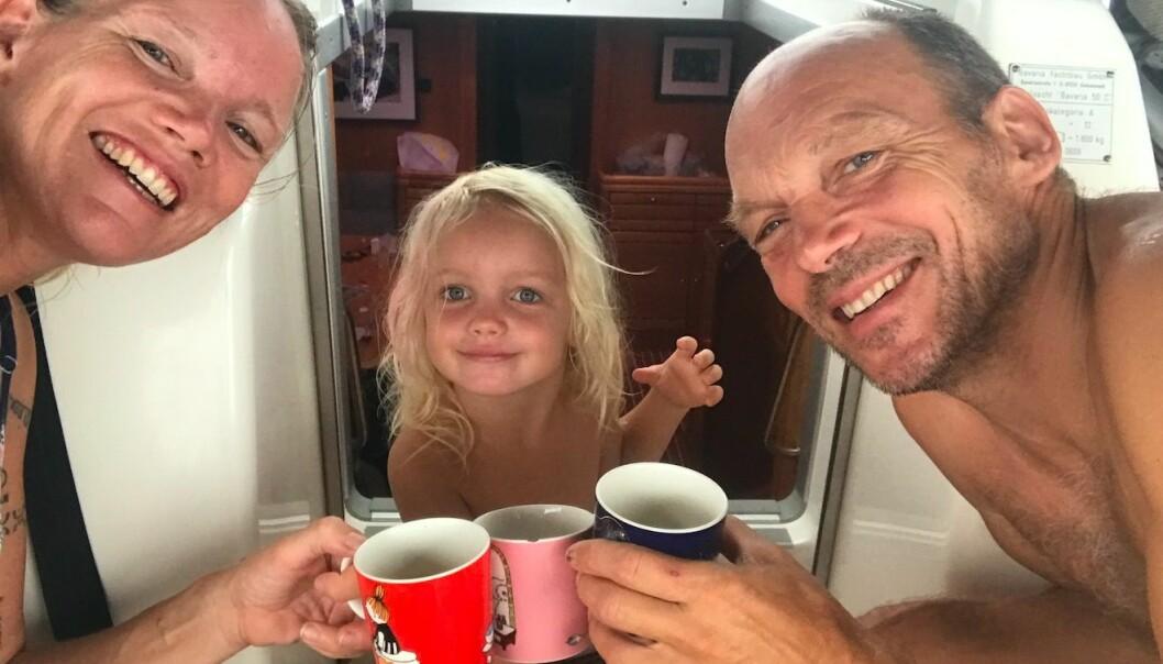 FAMILIE: Ingrid , Karen og Jon Petter Li Slungaard Myklebust på vei nordover til Karibia.