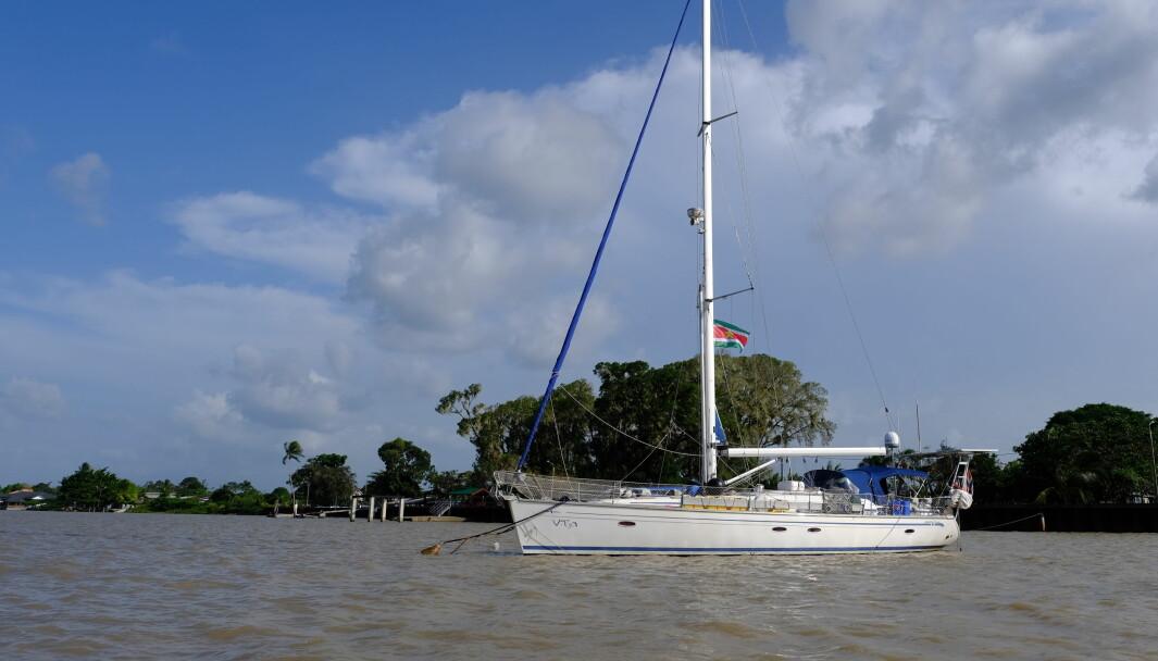 SØR AMERIKA: Vilja i karantene i Suriname elven.