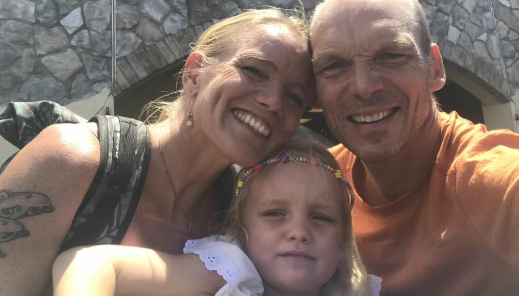 St. THOMAS: Ingrid, Karen og Jon Petter ferdig innklarert i USVI etter å ha seilt fra Sør Amerika