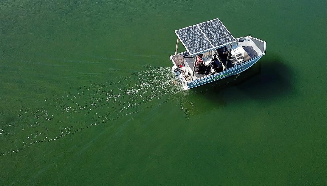 STILLHETEN: Å gli lydløst med en elbåt gir en naturopplevelse på linje med padling, men uten å bli sliten.