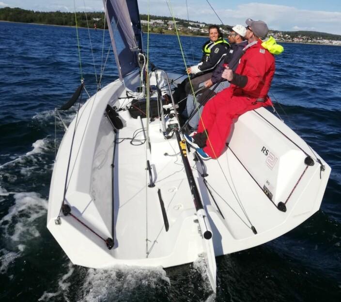 ORDENTLIG SEILING: Man skal ikke bare å lære elevene å seile, men å lære dem å få met mulig ut av den båten de seiler.