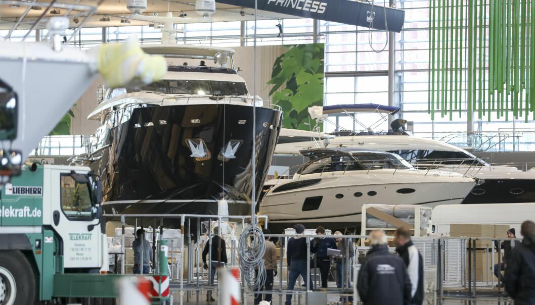 TYSKLAND: 17 haller i Dusseldorf skal fylles opp med båter og publikum i januar.