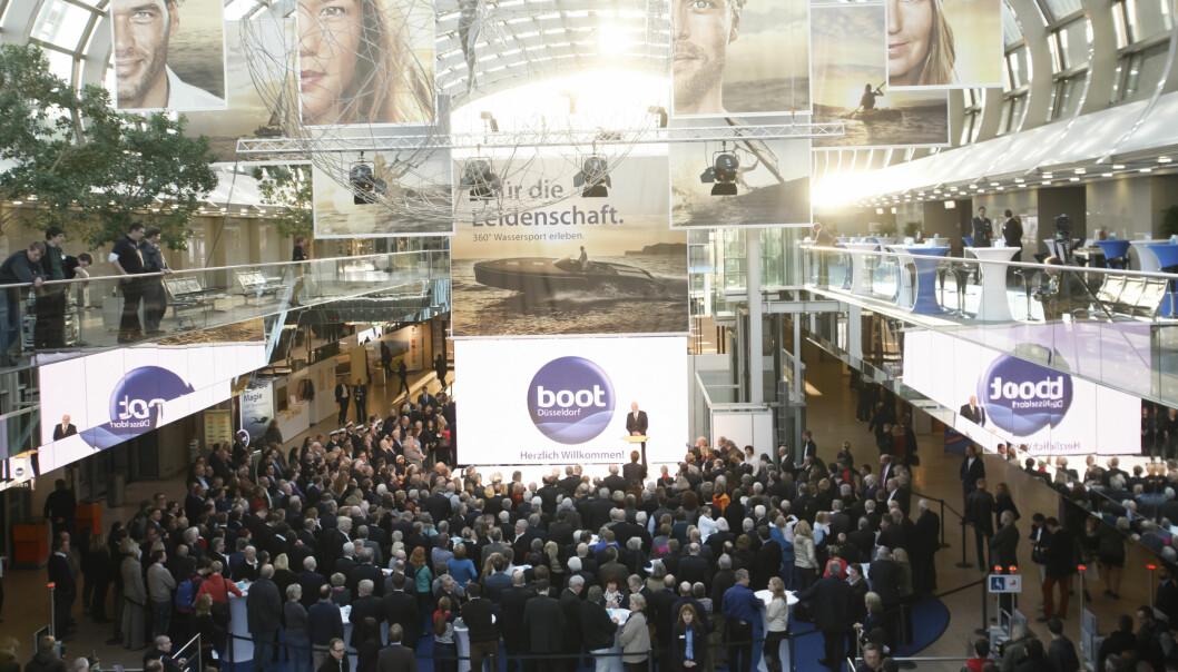 Verdens største innendørs båtmesse åpnet lørdag 17. januar.