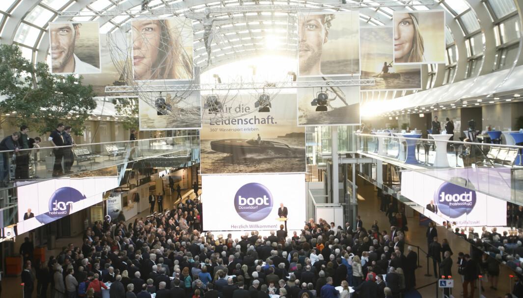 Verdens største innendørs båtmesse ble flyttet til april, og så å bli avlyst.