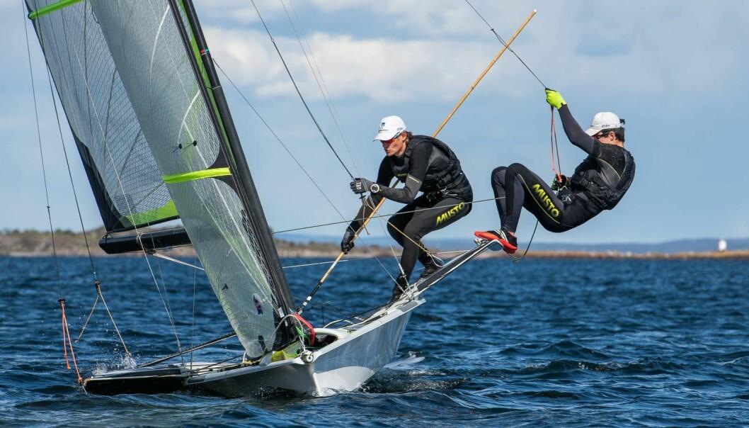 LAV RISIKO: En italiensk undersøkelse konkluderer med at det å bedrive seiling representerer en lav smitterisiko.
