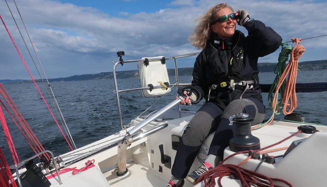 SEILER: Eira Naustvik er aktiv regattaseiler og seiler helst shorthanded.